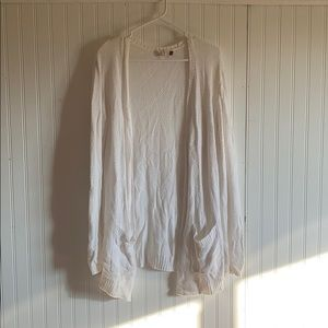 White cardigan with pockets!!